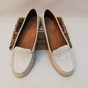 Naturalizer N5 Comfort Slip On Size 7 US WHITE